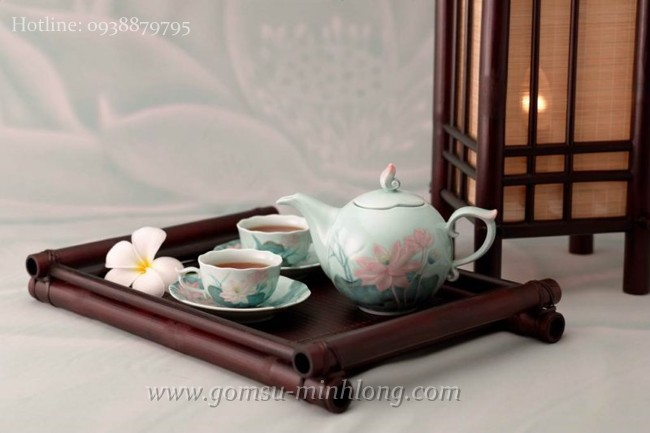 Bộ bình trà Gốm sứ Minh Long sen trang trí