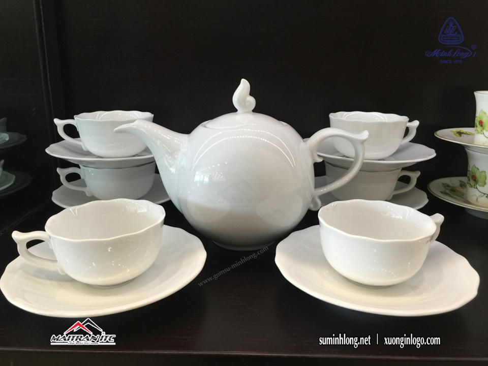 Bộ bình trà sứ của Gốm sứ Minh Long