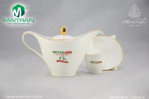 Bộ trà gốm sứ Minh Long Anh Vũ in logo NETCO